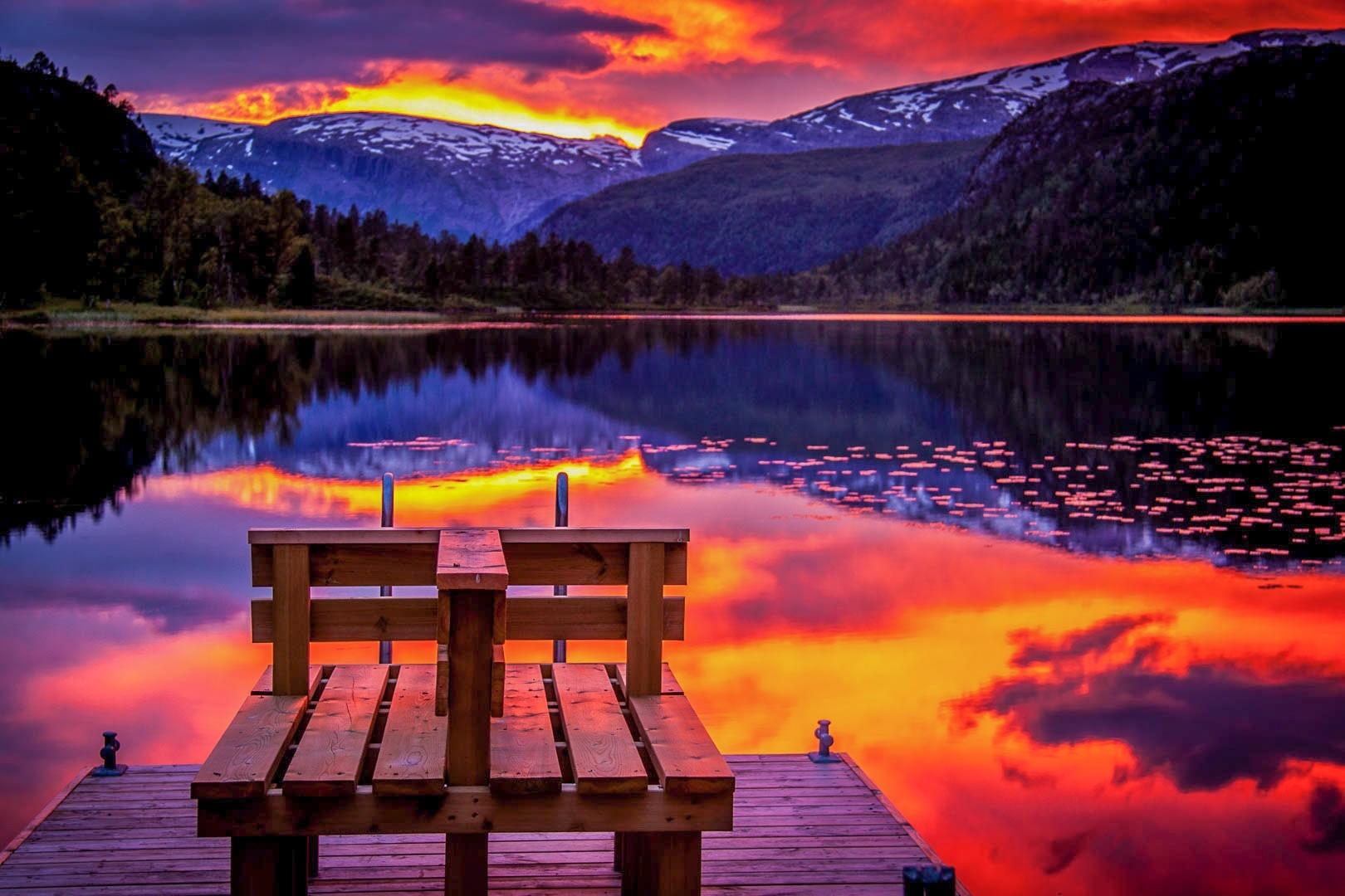 Art.nr 107 Solnedgang i juli, Langevatnet